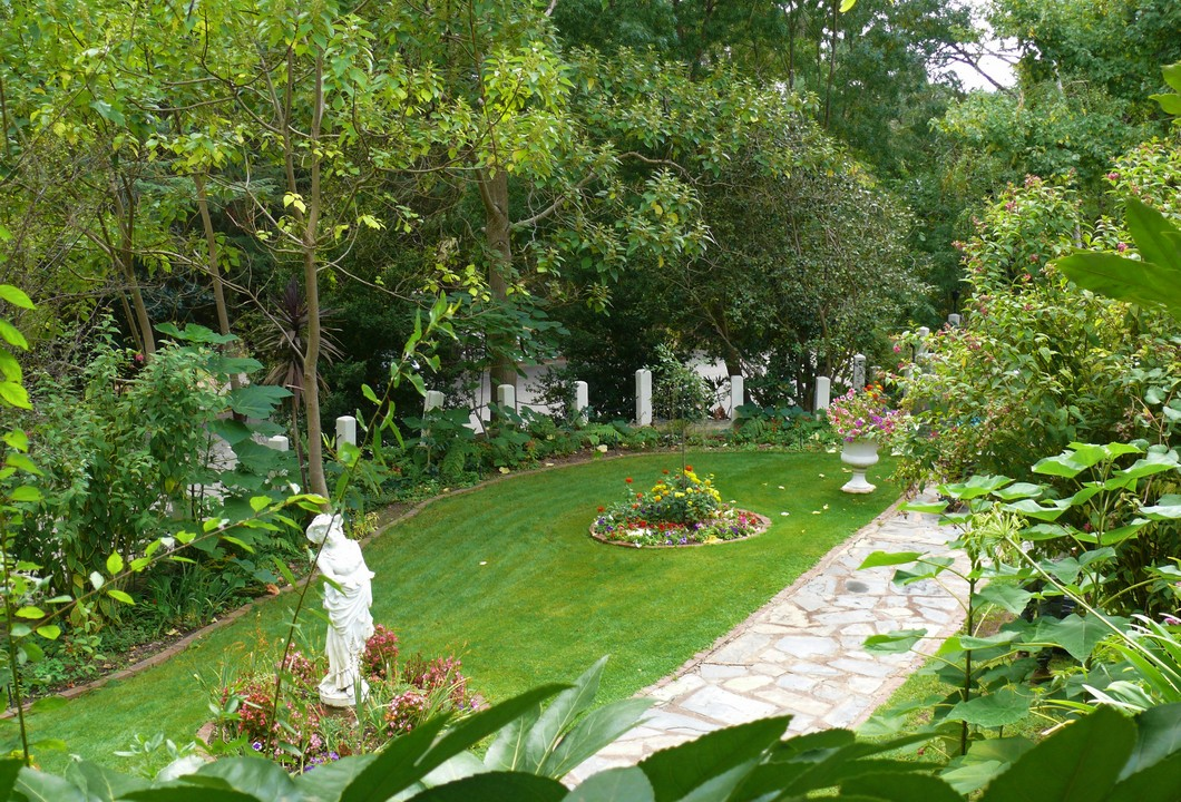 yoga-retreat-lower-garden